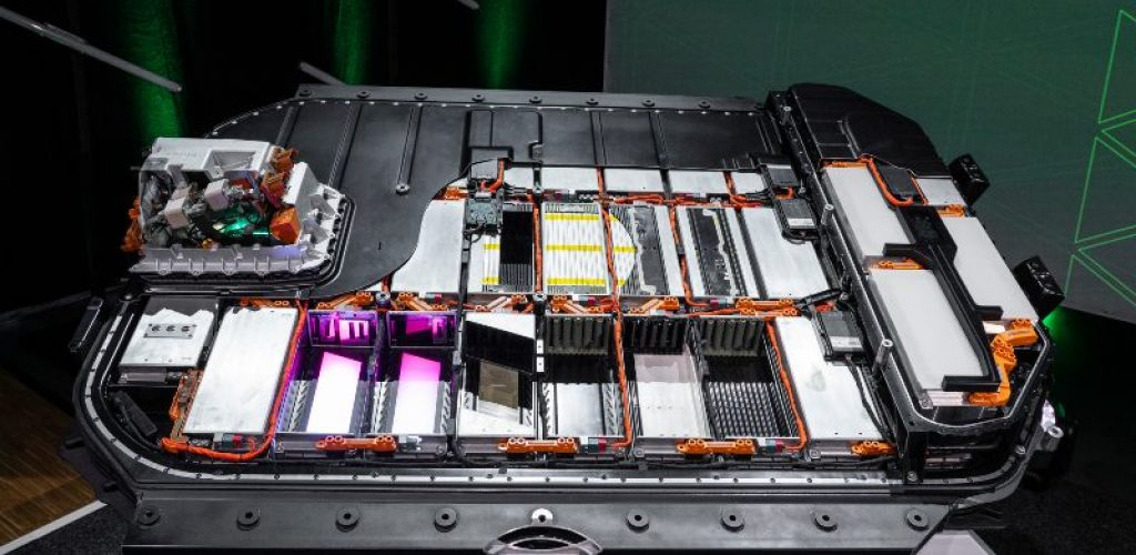 Audi TechTalk: Charging. Cutaway model HV battery Audi e-tron
