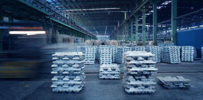 China Jiangsu metal processing plant workshop, a library of aluminum ingots