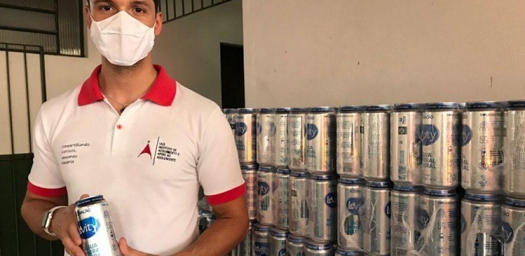 Novelis doação água