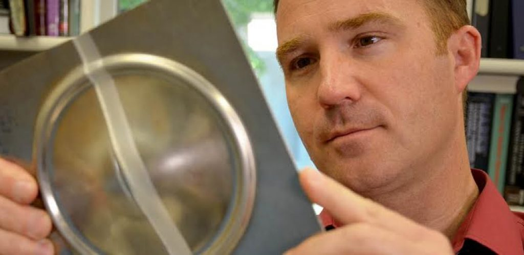 Yuri Hovanski, engenheiro senior do Pacific Northwest National Laboratory (PNNL).
